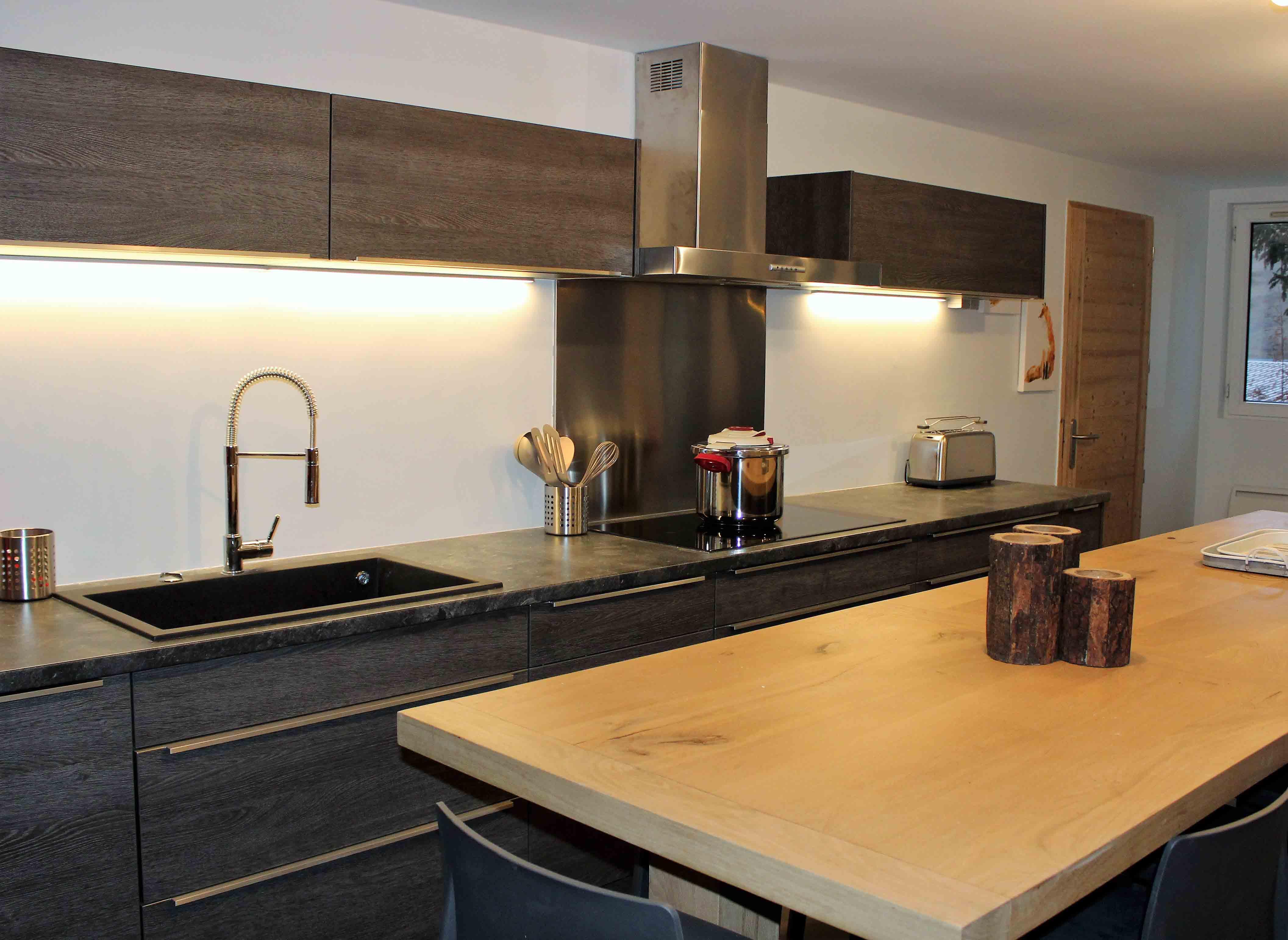 Location de l'appartement 2 les 2 Alpes grande cuisine induction lave-vaisselle buanderie