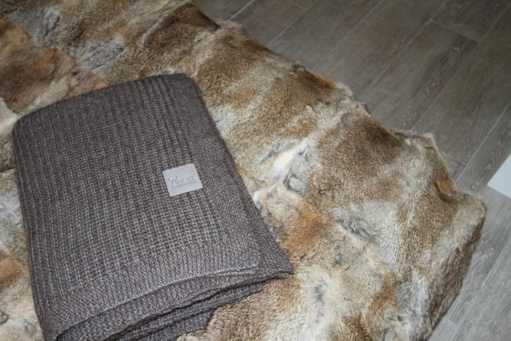 plaid laine fourrure chaleur montagne