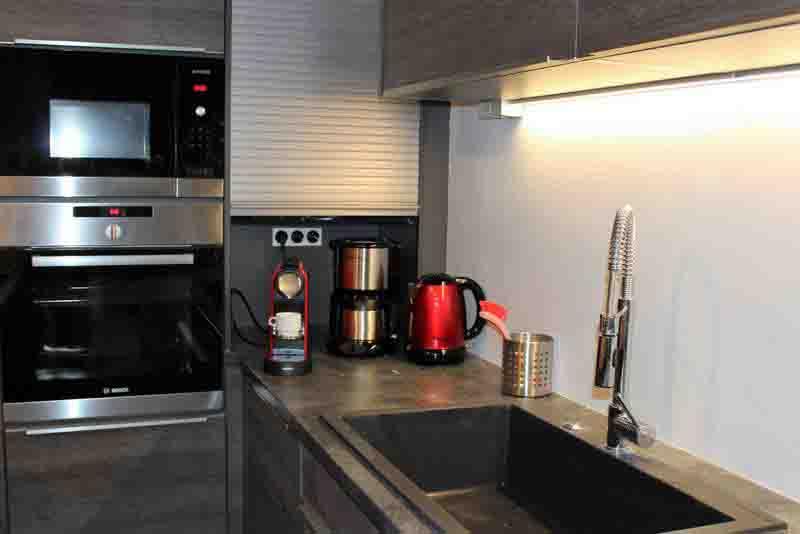 Location appartement 1 les 2 Alpes cuisine conviviale standing café tout équipée induction