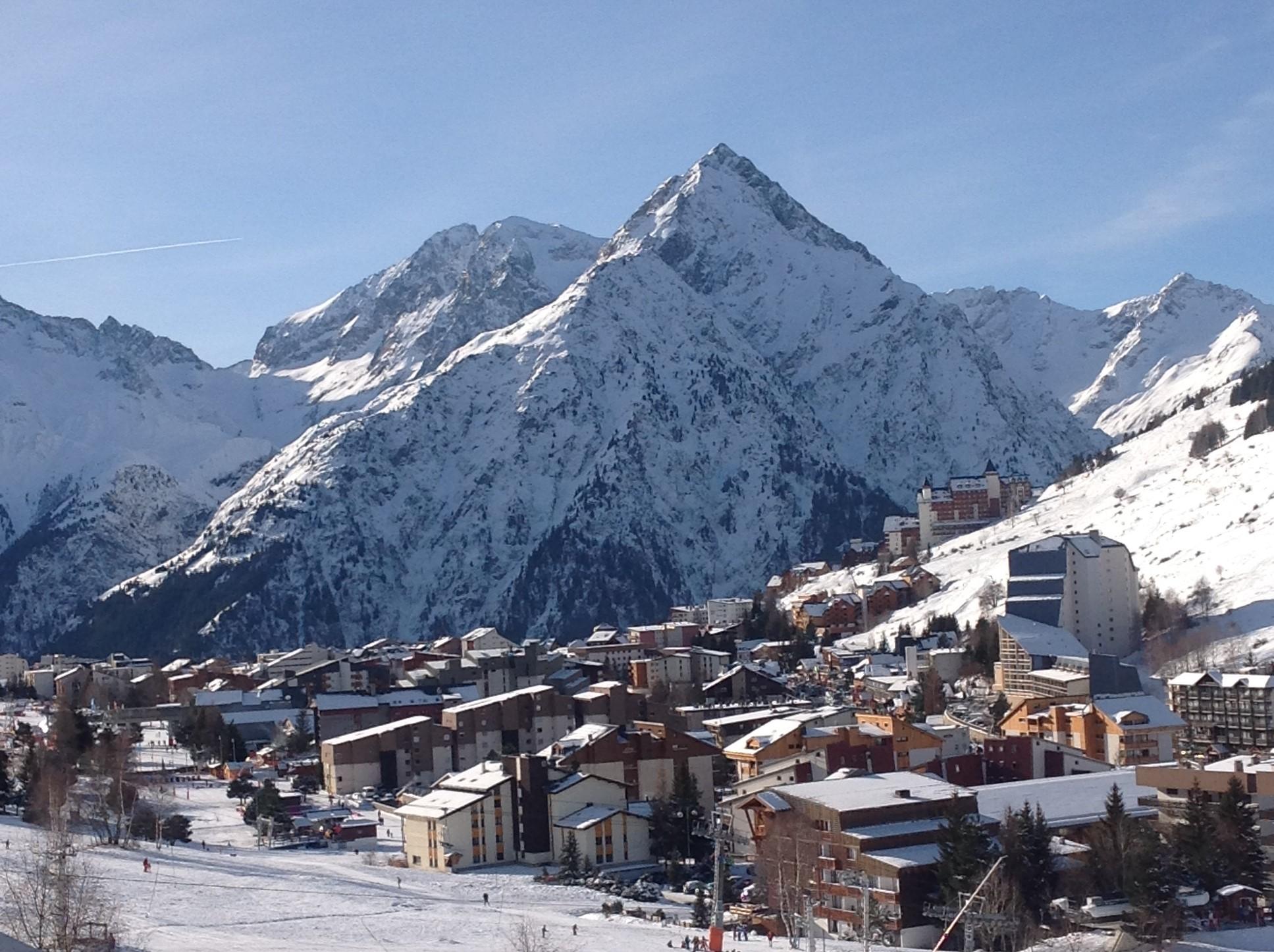 location appartement chalet les 2 alpes 10 personnes station de ski Massif de la Muzelle neige hiver
